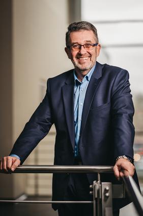Volkswagen Bildungsinstitut GmbH: Geschäftsführer Dr. Naduschewski